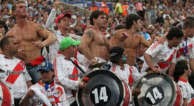 A River-Boca balhé háttere: 300 jegy és a Boca-fan államelnök harca