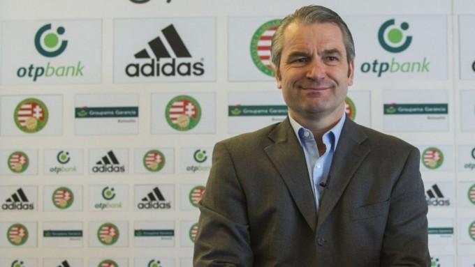 Storck szerint a magyar focisták a pénz miatt igazolnak el