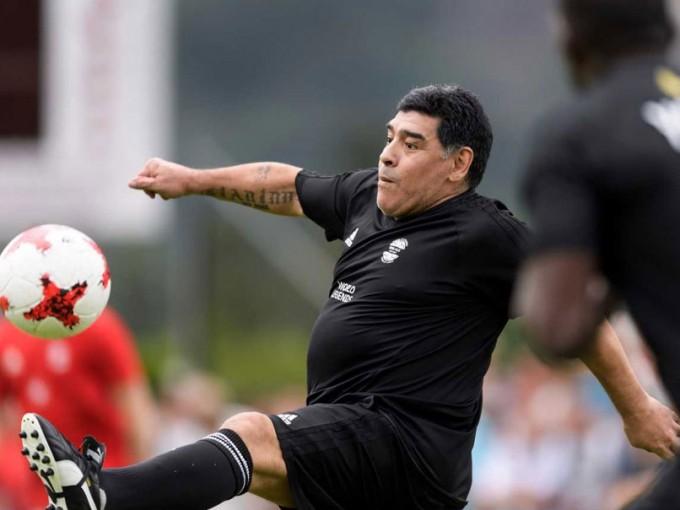 """Meglepő helyre """"igazolt"""" Maradona!"""