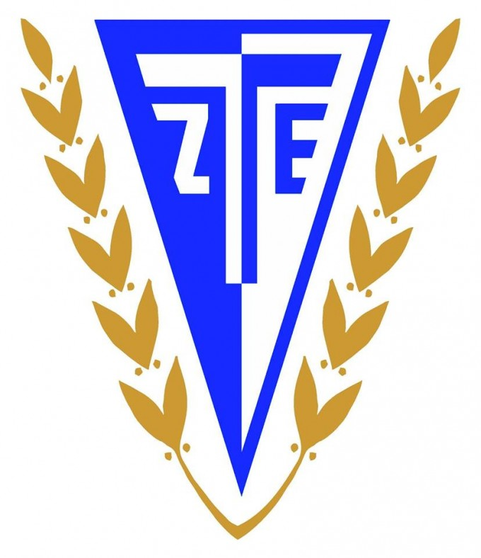 Szegeden, kiesési rangadón jártak a ZTE ultrái - kép