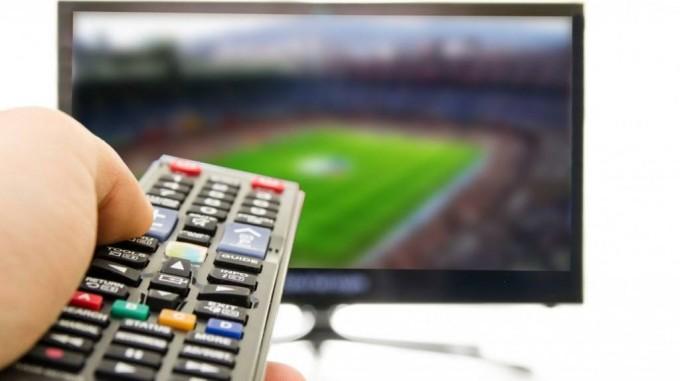 A pénteki focimeccsek és televíziós közvetítések
