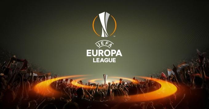 Hoppá: két magyar bíró is meccset fúj az Európa-ligában!