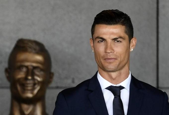 Ronaldo fejszobra Demi Moore és Deadpool mellett is feltűnt