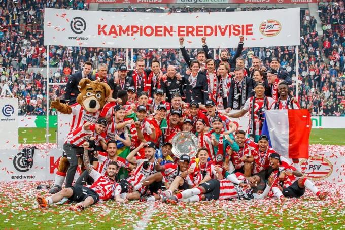 Üsd ki az Ajaxot, legyél bajnok, ünnepeld meg - videó