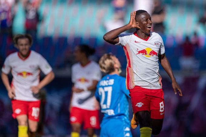 Bundesliga: Gulácsiék győzelemmel kezdtek Szalaiék ellen