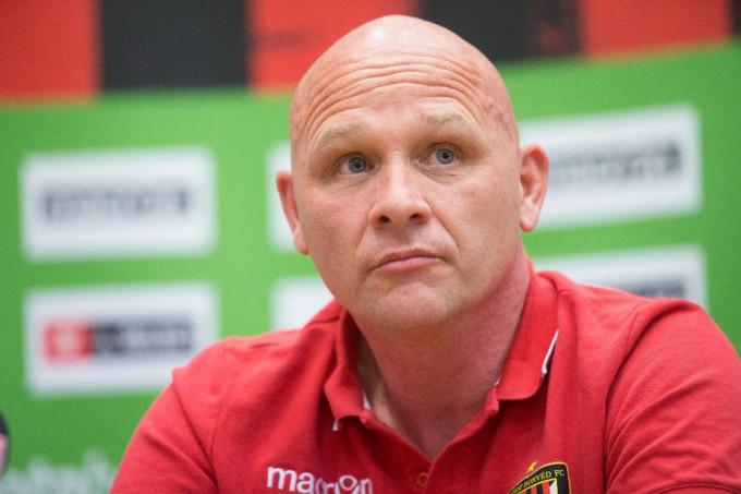 Bréking: kirúgták a Honvéd edzőjét, Erik van der Meert