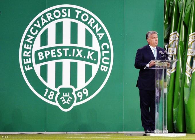 Különleges ajándékot kapott Orbán Viktor a Fraditól
