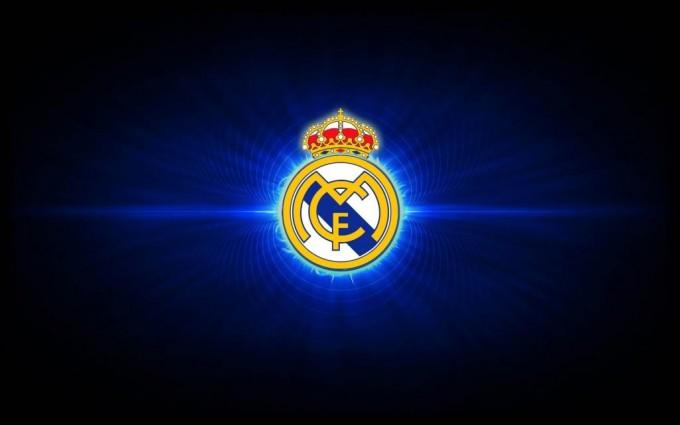 Sztárigazolással engesztelné ki híveit a Real Madrid