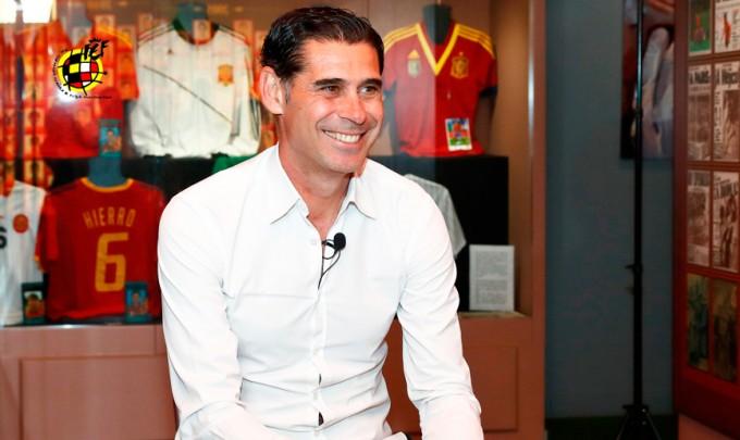 Real-legenda veszi át a spanyol válogatott irányítását